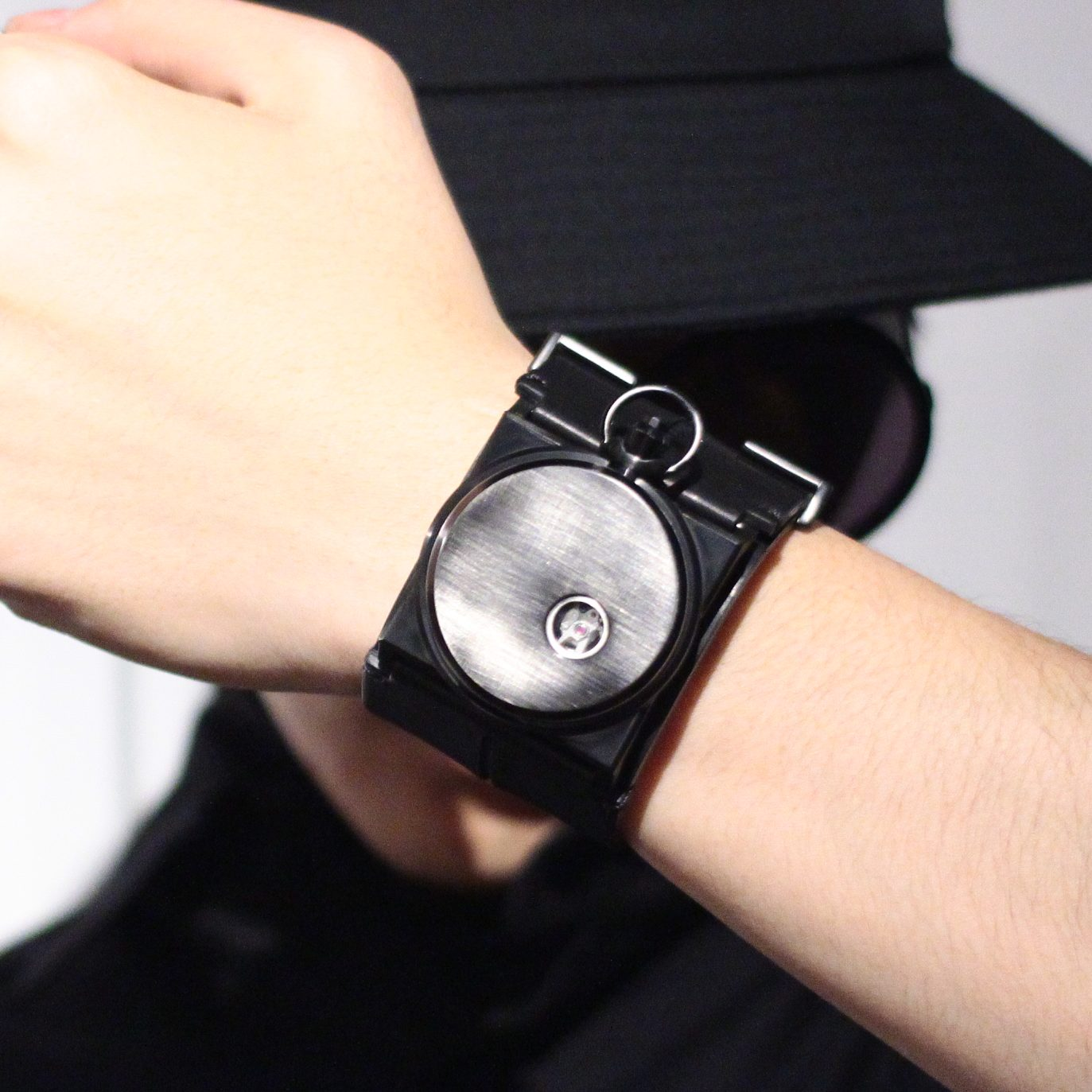 Fob paris  CUFF WATCH