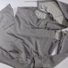 MAISON MARGIELA OVER SIZE HOODIE