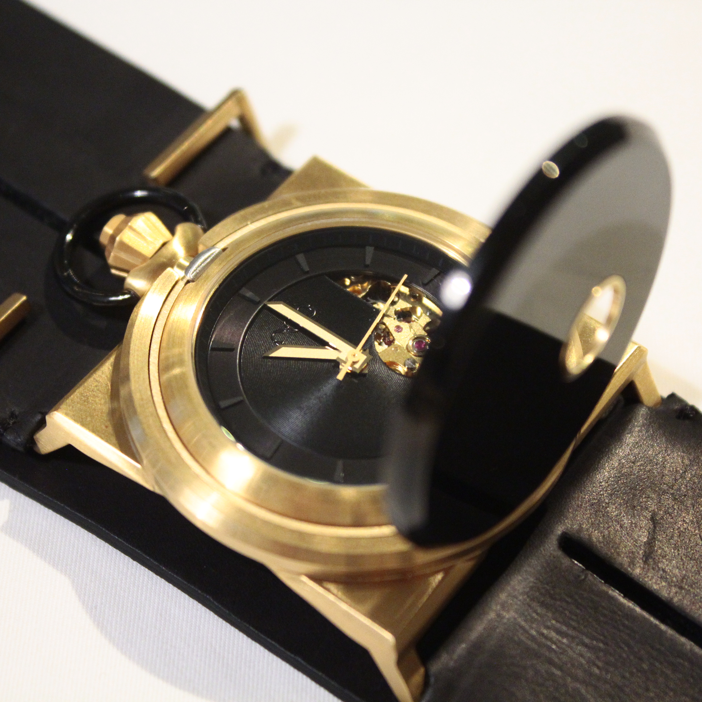 FOB CUFF WATCH GOLD