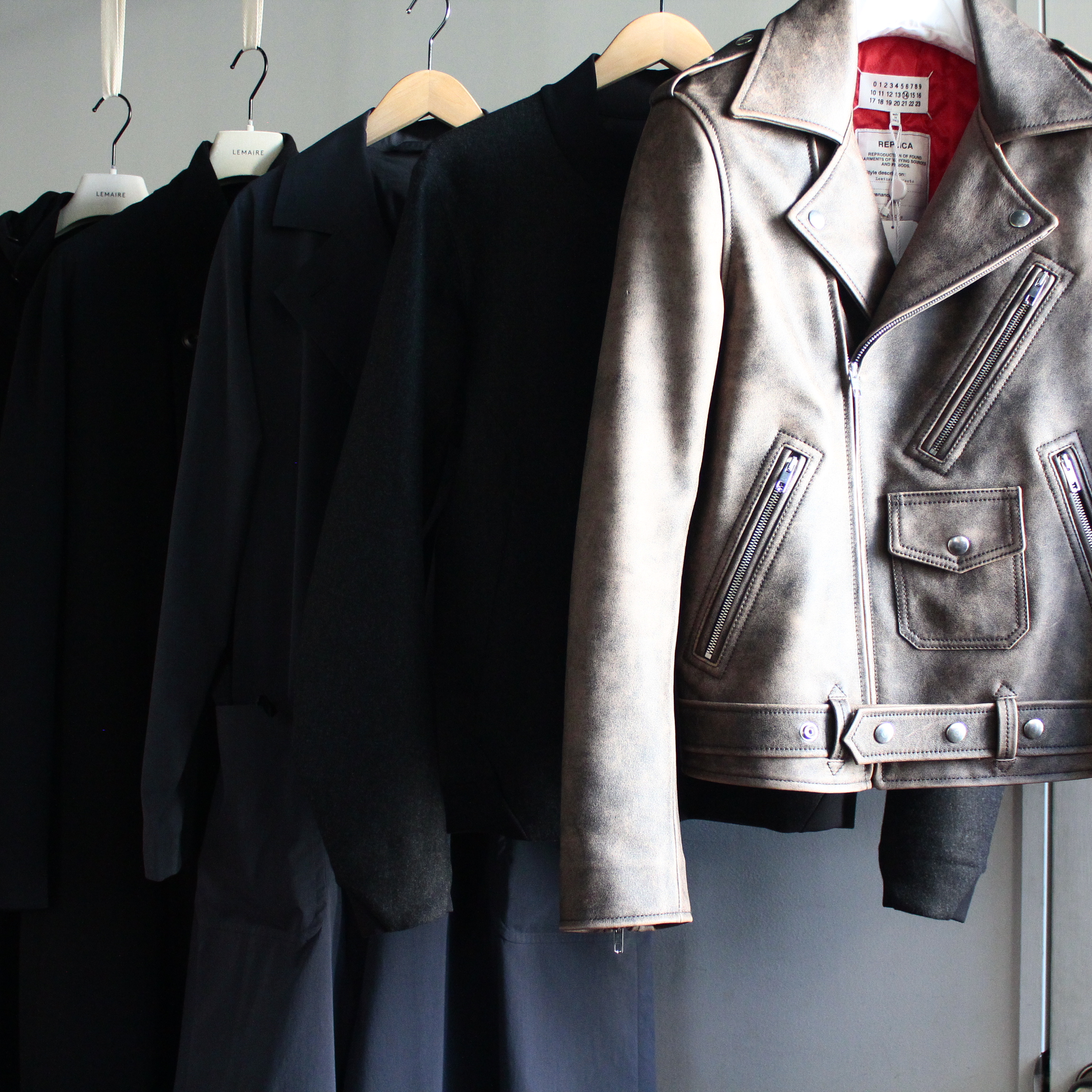 HUES 1st floor  17-18 A/W Outer Collection 2