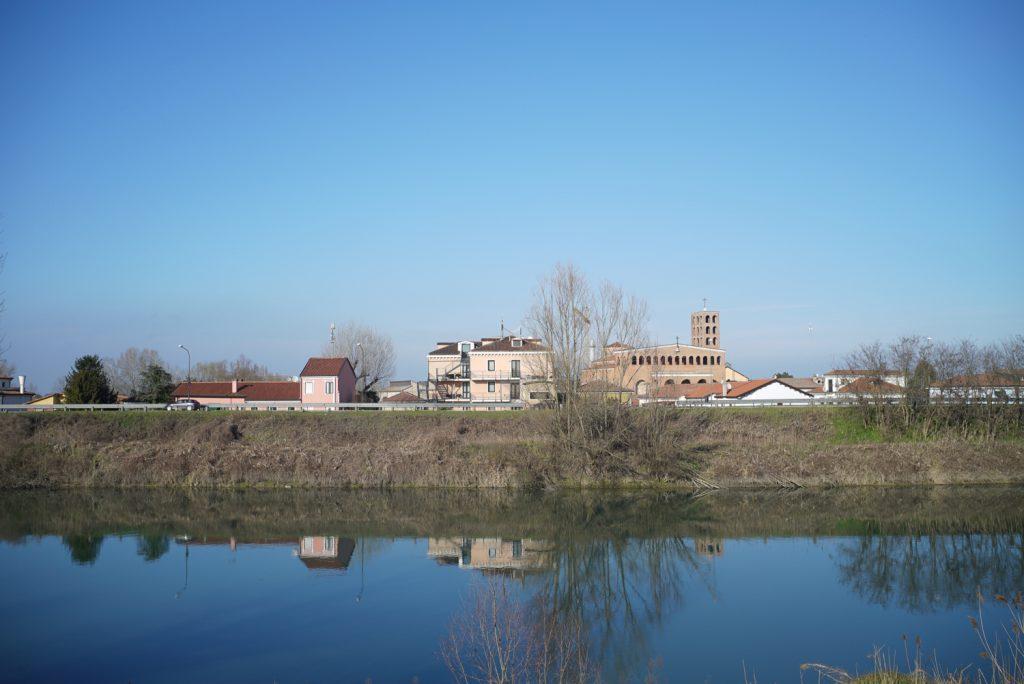 Geoffrey B.Small working in CAVARZERE ITALY