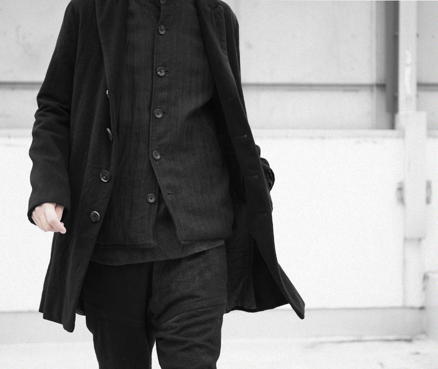Geoffrey B.Small  handmade Biella cashmere s-b peak-lapel coat