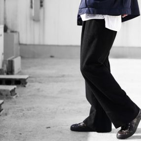 Geoffrey B.Small  handmade super relaxed drawstring waist leisure trouser
