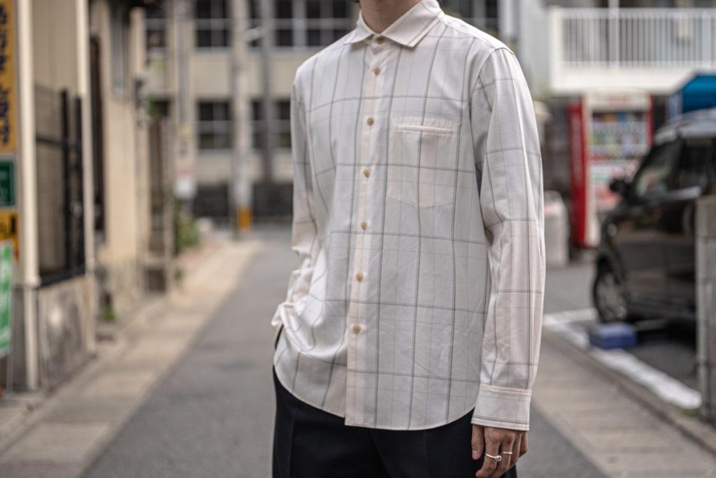 イレニサのセンタープリーツ クラシックシャツ